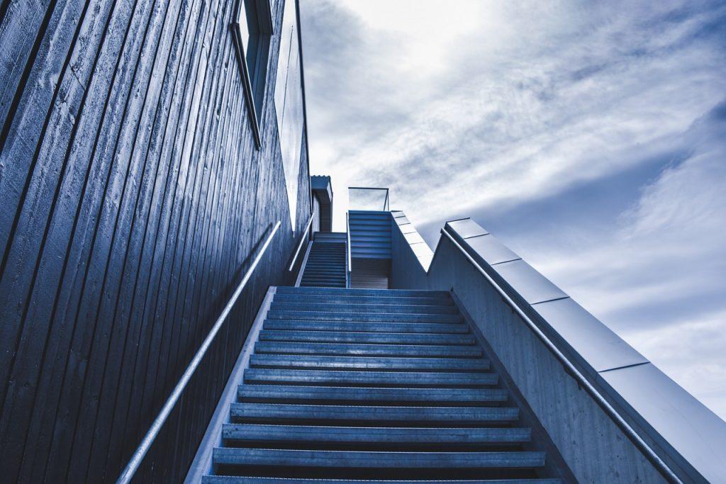 stairway, staircase, stairs-828883.jpg